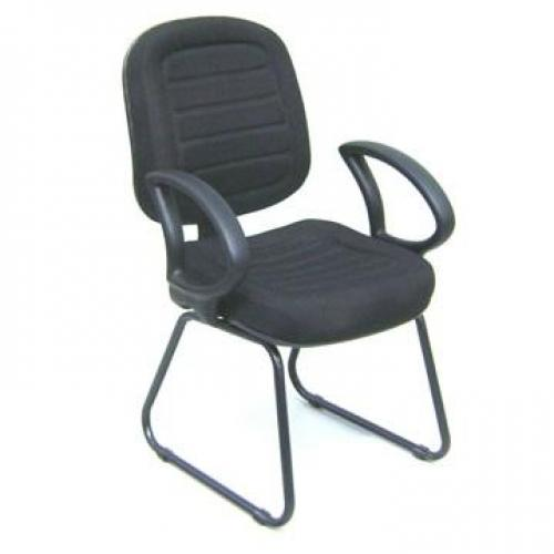 Cadeira diretor costurada base trapézio