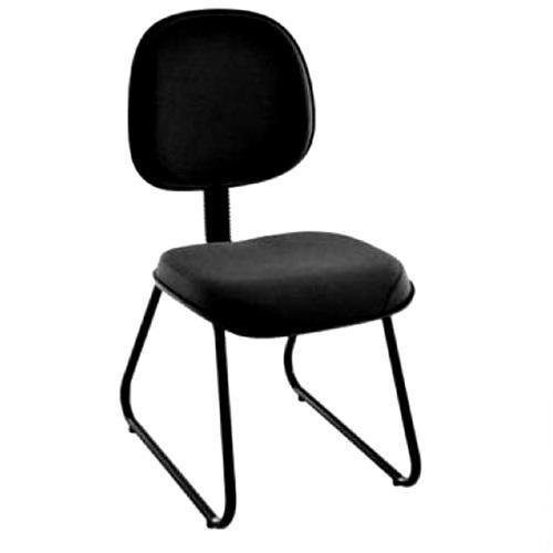 Cadeira executiva no corano liso base trapézio