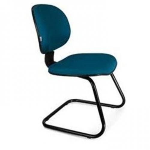 Cadeira executiva no corano liso base em S