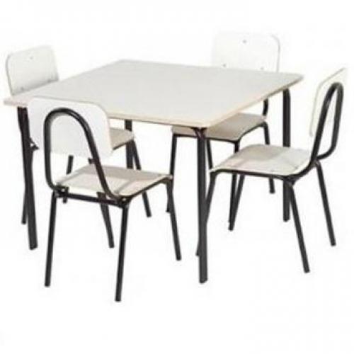 Conjunto escolar em formica com 4 cadeiras fixas