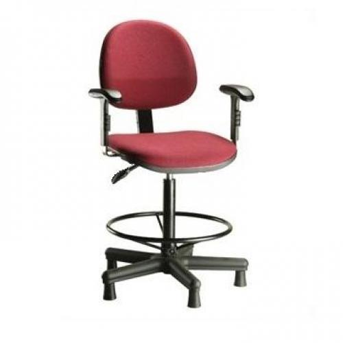 Cadeira Caixa modelo executiva braço digitador