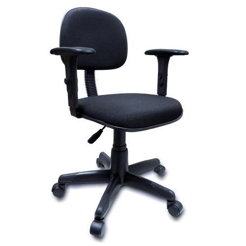 Cadeira secretária anatômica com base giratória braço digitador acento e encosto tecido cor preto