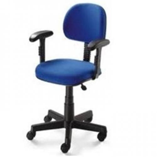 Cadeira secretária anatômica com base giratória braço digitador acento e encosto tecido Azul