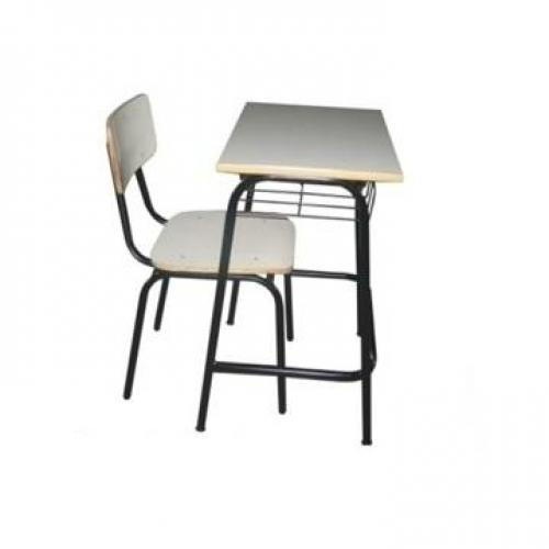 Conjunto escolar individual com reforço nos pés da mesa